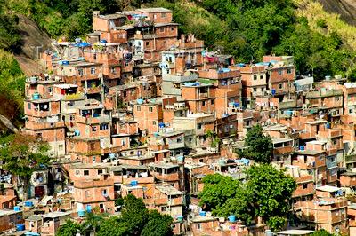 favela-da-rocinha-moradias